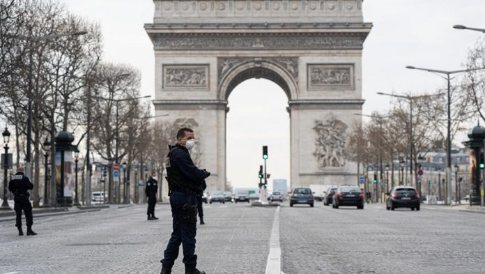 Coronavirus: la France de nouveau confinée face à la deuxième vague