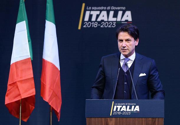 Italie: Tractations cruciales pour éviter une nouvelle crise de gouvernement