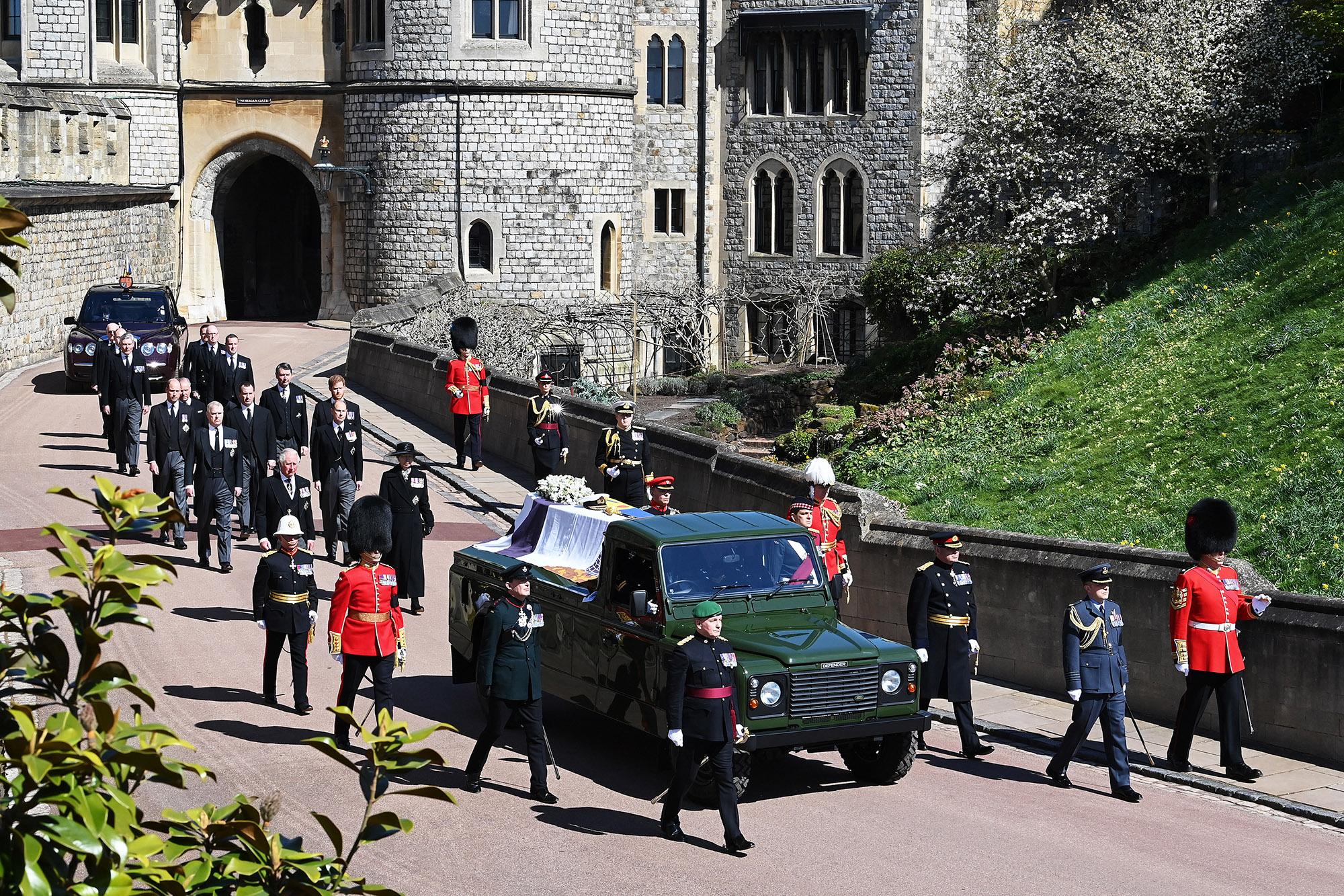 Obsèques du prince Philip: les images de la procession funéraire à Windsor